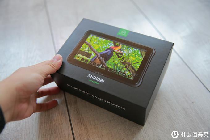 简单的盒子 4k分辨率 1000尼特亮度