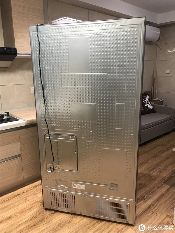 有这么台冰箱让我抖音播放量超76W,吸粉无数--有容乃大的三星新品双开三门冰箱开箱评测