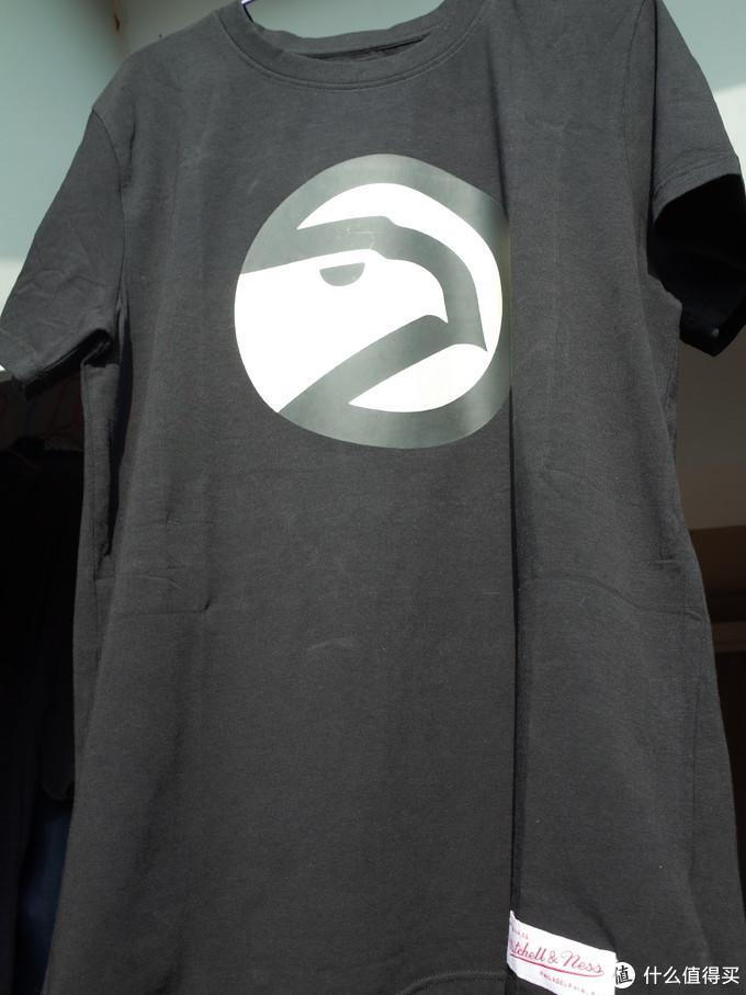 物美价廉的NBA联名T恤 Mitchell&Ness老鹰队印花T恤晒单