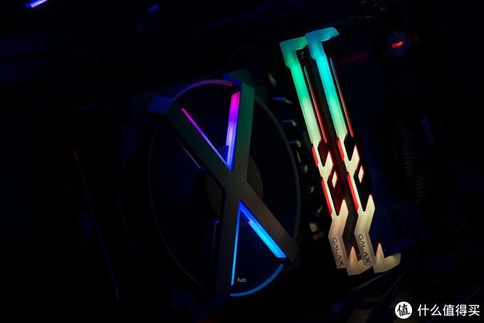 就是要酷炫!就是要RGB!安钛克复仇者X机箱装机作业