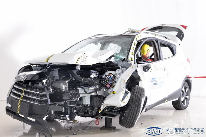 解读C-IASI中国保险汽车安全指数第二批测评结果:继本田思域后,比亚迪宋MAX的B柱再次断裂