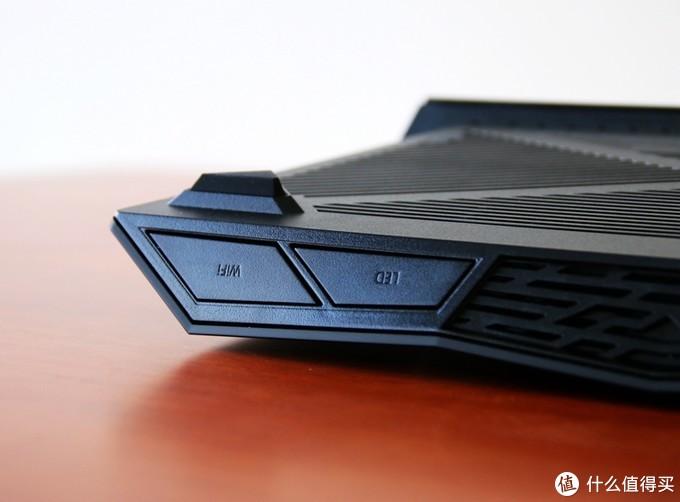 WIFI 6性能怪兽-华硕 RT-AX88U电竞路由