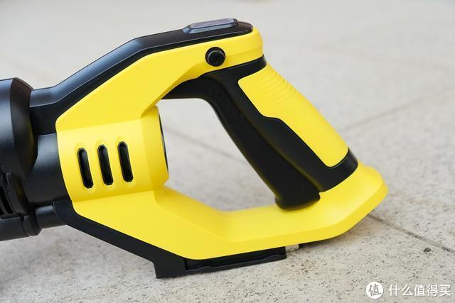 莱克吉米手持无线冲洗枪体验:方便携带无线设计,想怎么洗就怎么洗