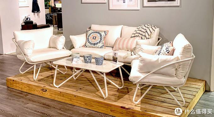 Dorel扩展Novogratz系列家具产品线 其新品主打休闲家具
