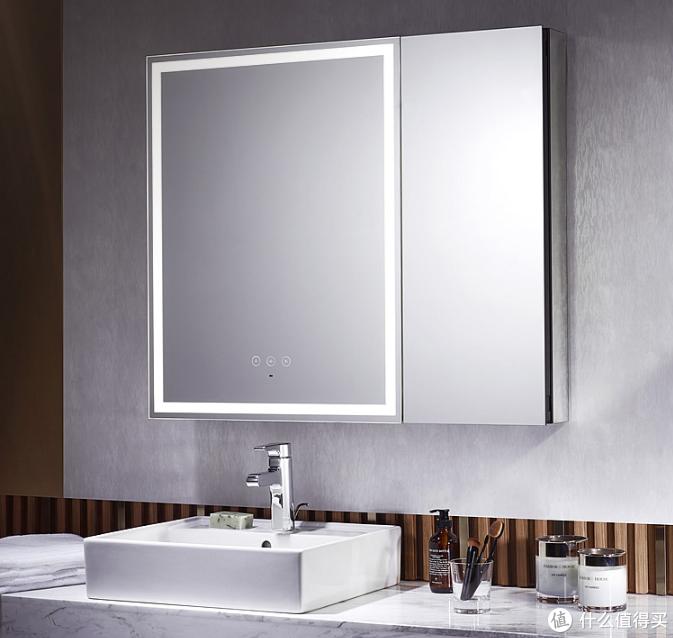 灯镜一体、贴心美妆:KOHLER 科勒 上新 一体式环绕照明梳妆镜