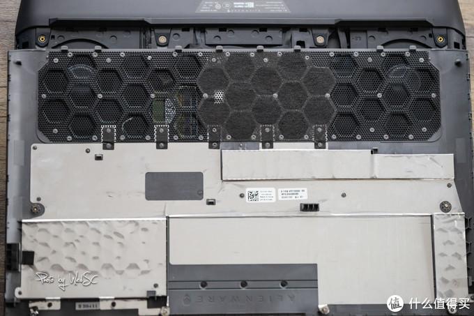 你们要的拆解来了!在51区肢解外星人-Alienware AREA-51M笔记本尬体验