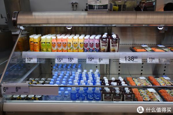 瓶装饮料展柜