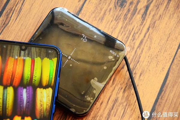 史上接口最全的无线充电宝,还自带线材,体积又这么小巧,真不错