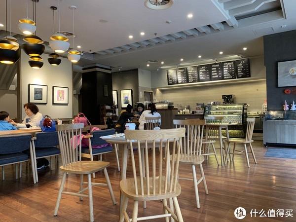 咖啡厅内部
