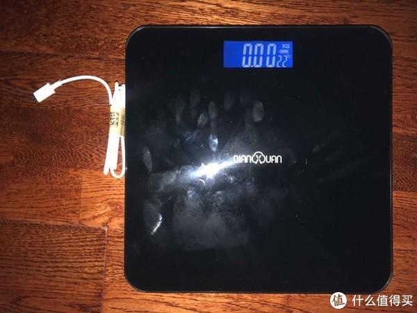 给姥姥买了一个能用来称菜重量的体重秤,千选usb体重秤开箱