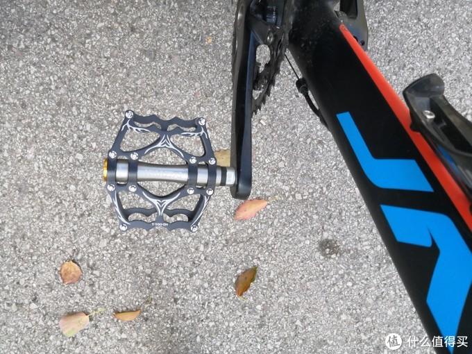 洛克兄弟的山地车脚踏,喜欢更宽一些的,磨开之后很润,一对380g这样子