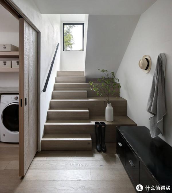 家装小白避雷指南:让你瞬间学会的灯光基础设计——楼梯 过道篇