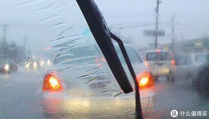 """奔驰让你坐在引擎盖上哭,这个牌子的""""雨敌""""让你坐在车里笑"""
