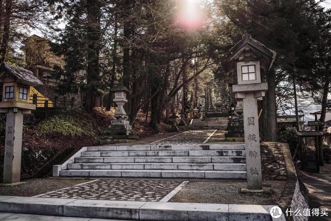 想着时间还在,不如就来附近的日枝神社来打个卡,来这里当然是因为这里是电影《你的名字》取景地