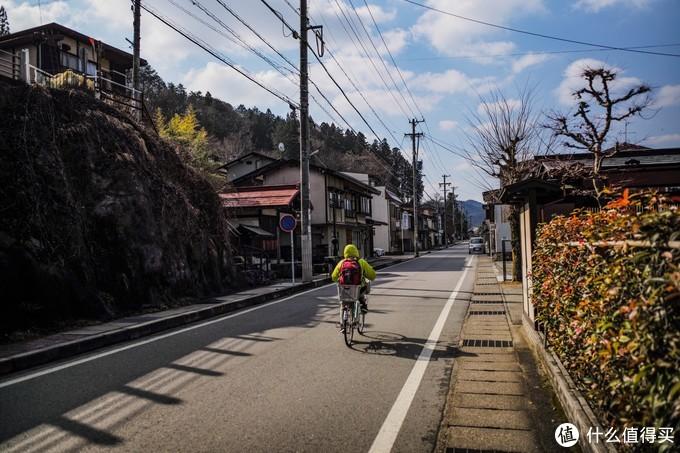 从神宫出来返回时的街道,特别喜欢乡下的清晨