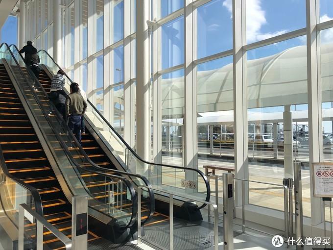 静冈机场不大,一天飞机班次也不多,但是机场很干净设施齐全。