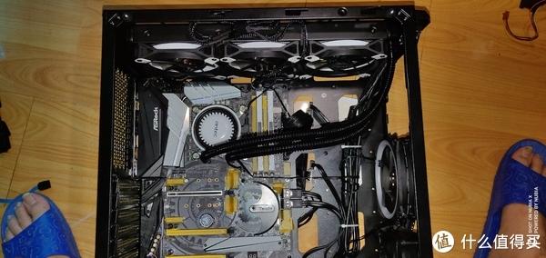 安钛克(Antec)暗黑系-复仇者X(DA601)开箱之新家篇下