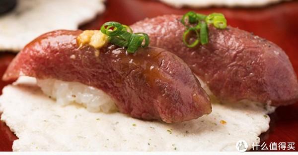(日本旅游局官网图,用a5和牛做的寿司)