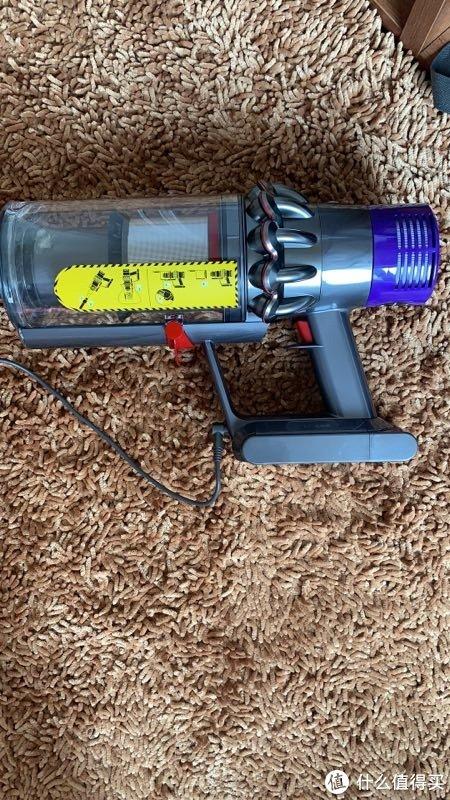 打扫卫生只是吸地?戴森V10 Absolute吸尘器以黑科技颠覆你的想象