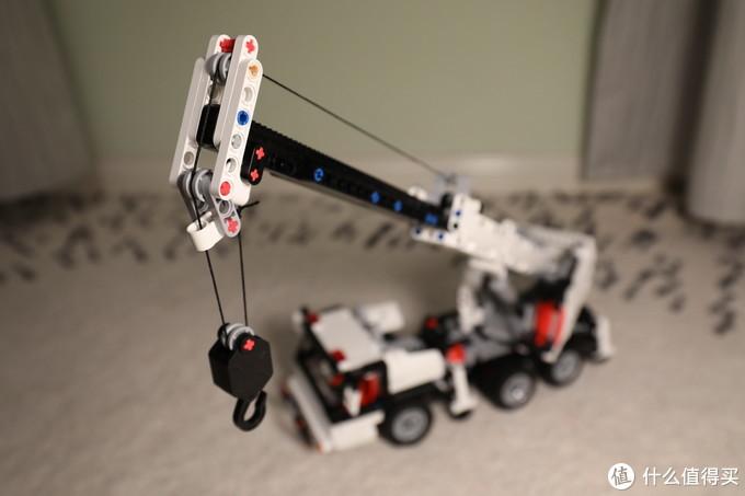 做工扎实,可玩性强,类乐高产品的好选择,米兔积木工程吊车