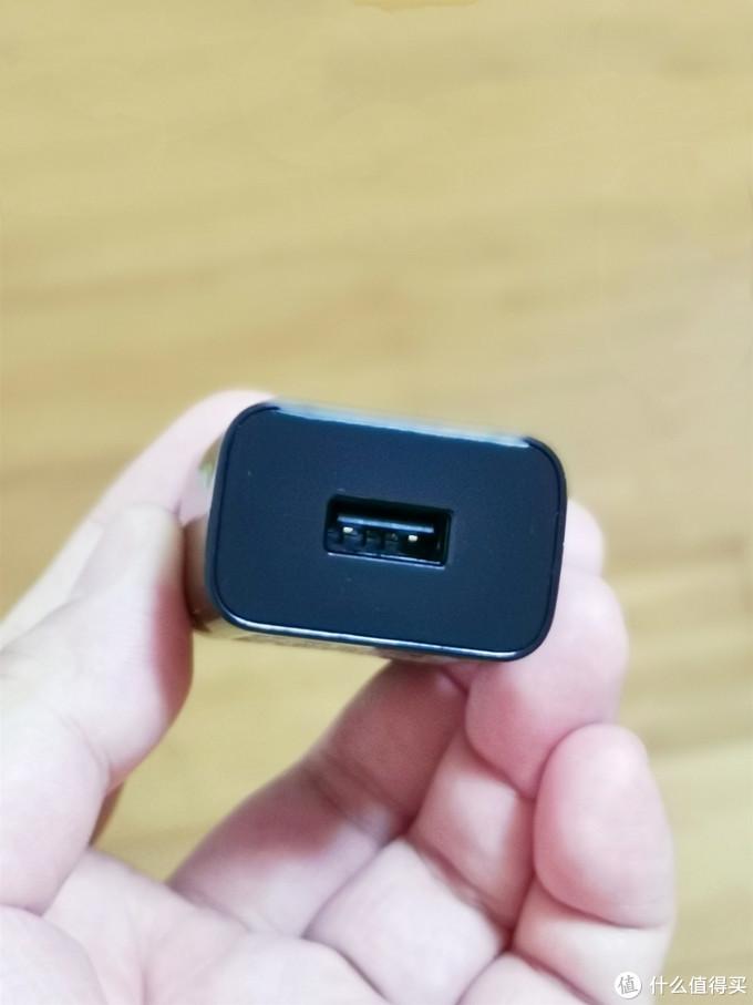 三星第六代(2018款)环形加速无线充电器EP-P3100开箱简晒