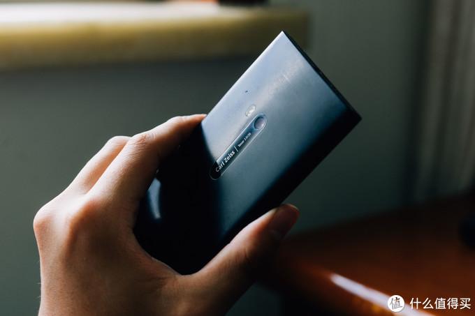 蔡司镜头,当时觉得这个头衔和索尼手机那个G大师认证一样没有什么意义,结果看看蔡司的相机镜头都是4k起步,索尼G大师头更是1w起步