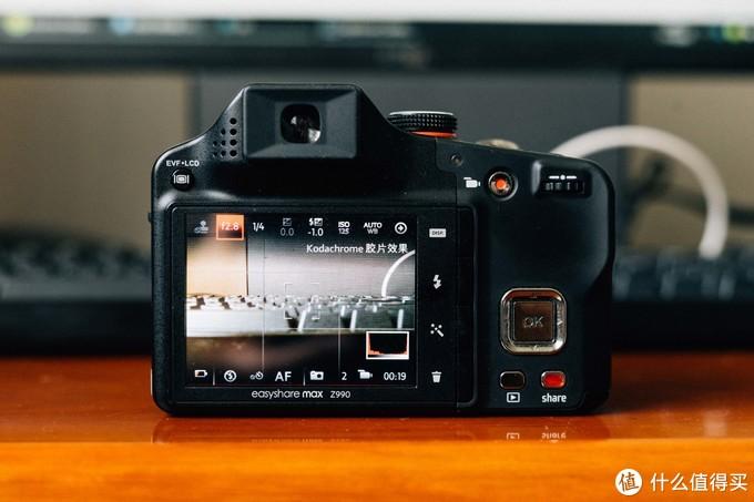 这台相机不同于以前的几台,这台相机可以真正意义上的手动模式