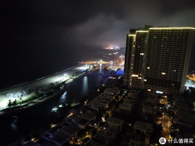 阳台看出去的夜景