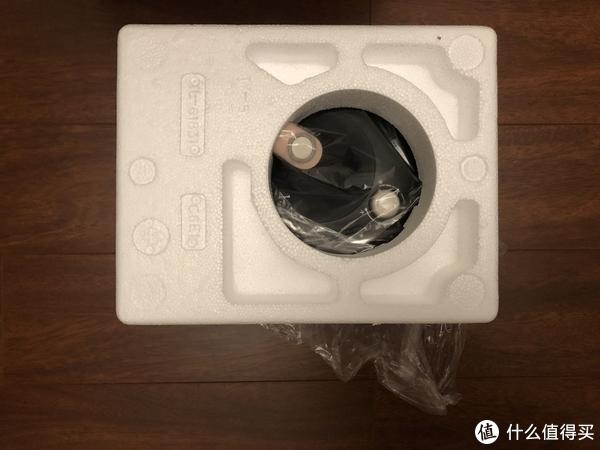 泡沫包裹的很严密,薄饼机不沉,保护还是蛮到位的