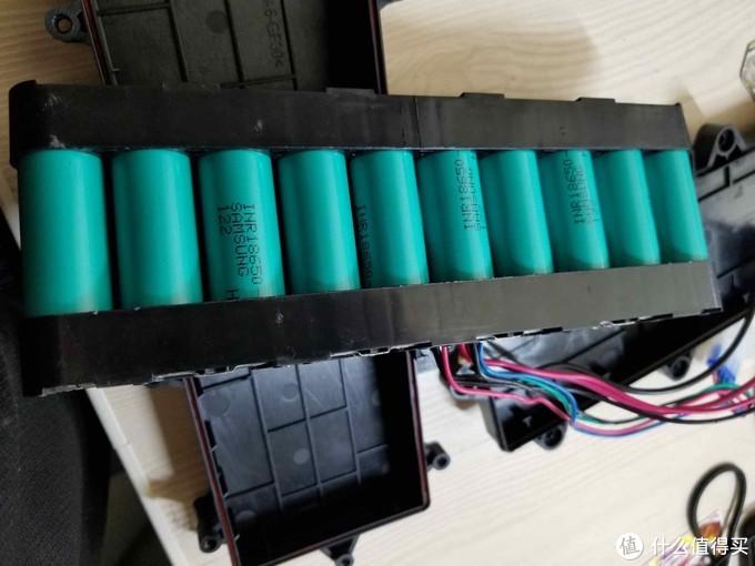 用的是三星动力电池,INR18650-20Q或者20R