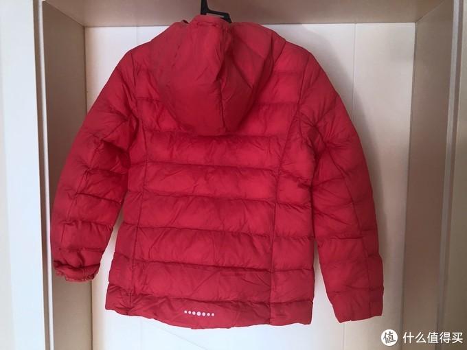 超值好看保暖-优衣库 UNIQLO 女童 轻型WARM PADDED连帽外套 晒单简评