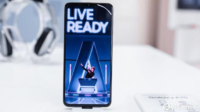 本土化策略再升级,年轻用户新宠三星Galaxy A70究竟表现如何?