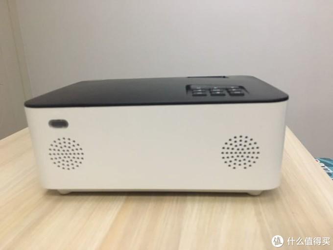 福满门是三款产品中,唯一带有两个喇叭的,确实音效会比另外两款产品要好,但音质也仅仅是有声而已,对音效有要求的朋友建议配个音箱