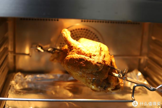 3.5斤的整鸡放进去,上下前后都还有不少富余的空间。