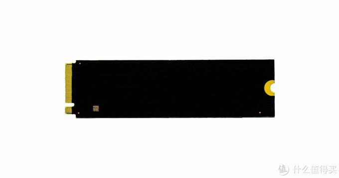 SSD背面
