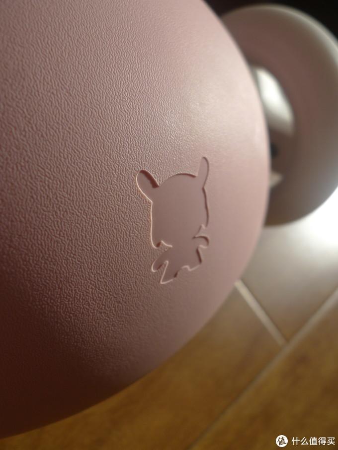 米兔标志。