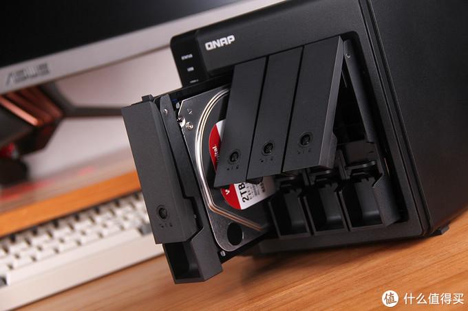 存放那些无处安放的数据 — 威联通TR-004磁盘阵列外接盒体验