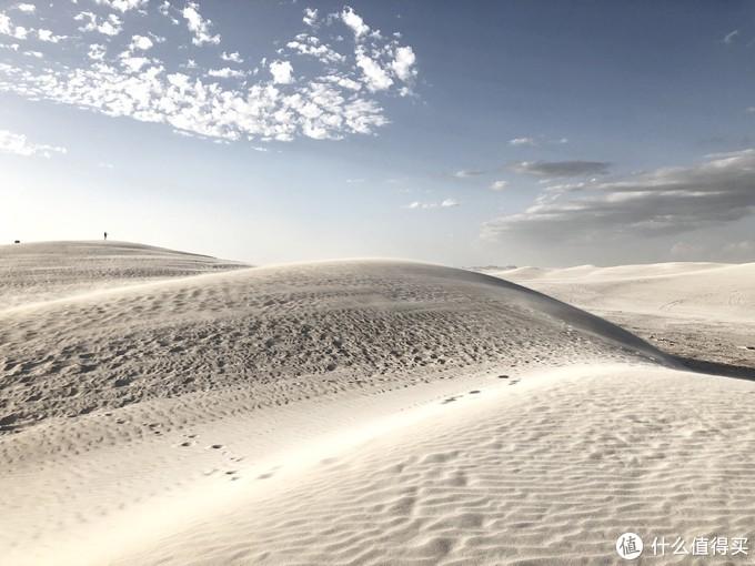 其实一路上看到有很多这样的白沙漠,不止是兰斯林
