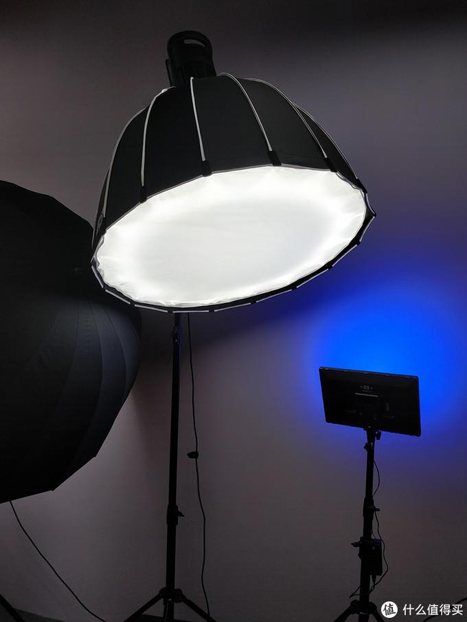 更专业用途的灯,摄影工作室及发烧友玩家比必备。