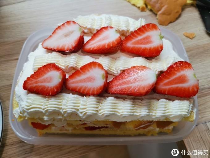 论如何优雅又粗暴的完成一只橙酱草莓奶油戚风蛋糕