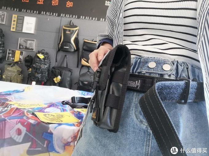 麦格霍斯MAGFORCE台马黑标版全覆盖式手机套 5.5英寸抽拉式手机包0132注胶黑测评
