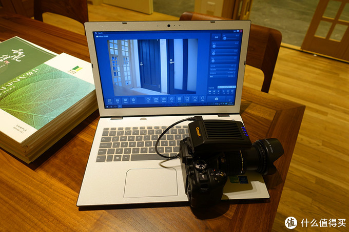 据说这款设备可以使老旧单反相机解决无线联机拍摄方案