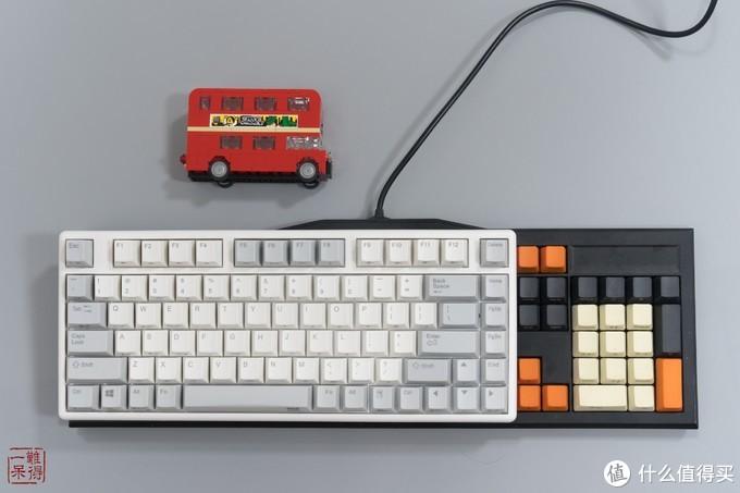 Plum NIZ Micro84 蓝牙RGB静电容键盘开箱与体验