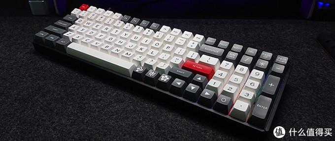 iQunix F96 颜值既正义,就是键帽难配