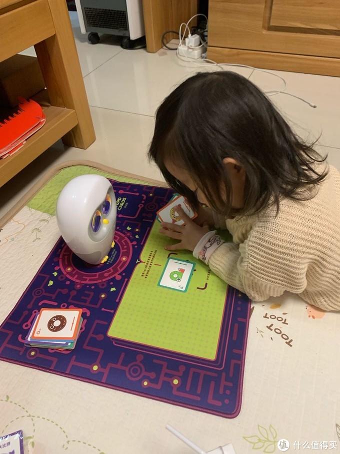 Luka绘本阅读机器人开箱—增加一种陪伴的方式
