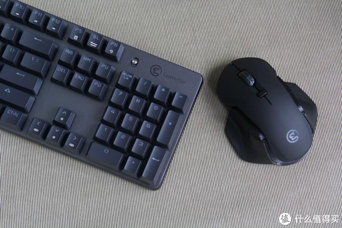 吃鸡办公两相宜,盖世小鸡机械键盘GK300+电竞鼠标GM300简评
