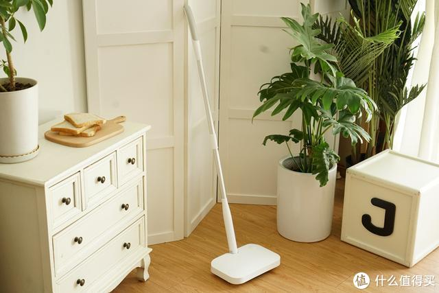 过了个劳动节,家里扫把没了,劳动者很高兴!啥原因?