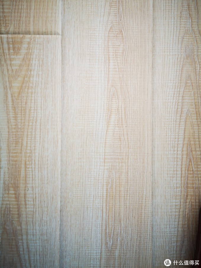 这就是卧室木地板