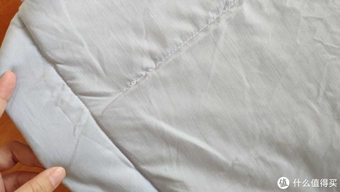 这个夏天不可缺少的床上宝贝——COMO LIVING 抗菌空调夏被