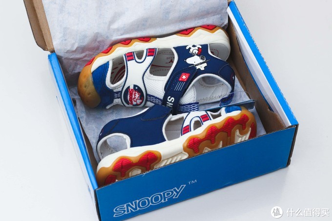 孩子的凉鞋一年一双,百元一双的SNOOPY凉鞋还不错